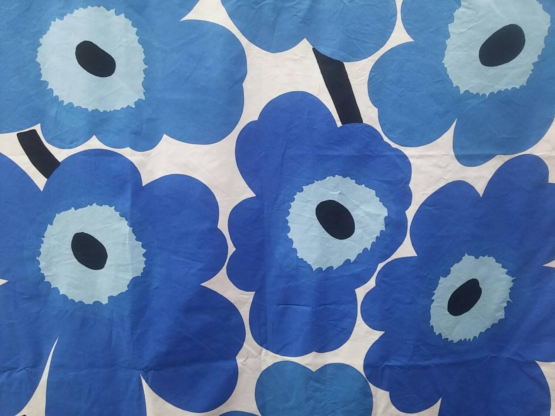 marimekko vintage unikko poppy fabric cotton dark blue and. Black Bedroom Furniture Sets. Home Design Ideas