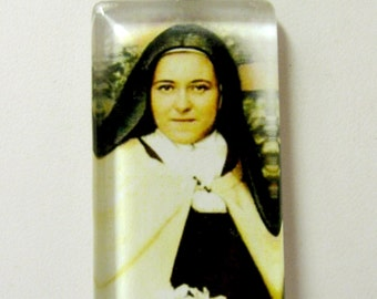 St. Therese of Lisieux pendant with chain - GP01-304