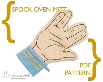 Vulcan Salute Oven Mitt - Spock Hand Sign - PDF Sewing Pattern - Star Trek - Right or Left Handed