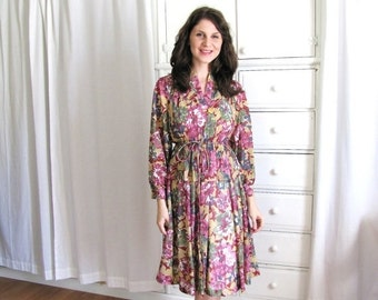 ON SALE Floral 70s Dress / 1970's Boho Dress