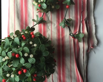 Kitschy Christmas Mistletoe plastic