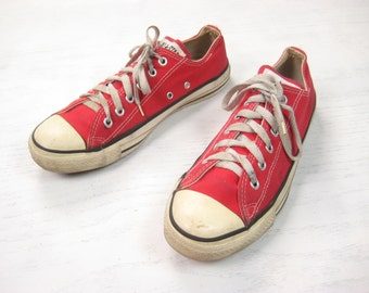 Converse Made in USA Chuck Taylor Sneakers 1980s 1990s Vintage Retro Red White Low Top Canvas Athletic Sneakers US Men's 8 Women's 10
