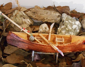 Miniature Canoes Handcrafted Miniature Wooden Fishing Canoe with Oars and Fishing Rod 7.5 inches long