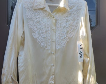 vtg  cream-colored silk and EMBROIDERY  blouse 100% silk  new vintage 80s   sz 8