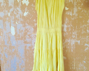 vintage. 70s Yellow Cotton Gauze Dress // S to M