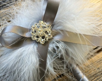 Wedding Guest Book Pen - Silver Gray Feather Pen with Bling and Bow - Marabou Feathers - Refillable Ink
