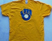 Milwaukee Brewers XL yellow tee with 1978-93 baseball & glove logo MLB Brew Crew Paul Molitor Robin Yount Cecil Cooper Mike Caldwell AL