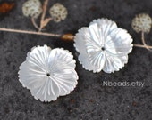White MOP Shell Flowers 20mm, Carved Mother of Pearl Flower Cabochon,  Center Drilled Hole- (V1204)/ 10pcs
