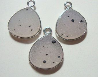 Natural Soft White Crystal Druzy Drusy Silver electroplated Bezel Set Pendant, 20x15x5 mm, One Pc - J18-6