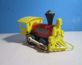 vintage 1964 fisher price #643 toot-toot pull toy train