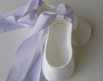 Baby Ballerina Slippers . Baby Girl Shoes . Infant Ballet Shoes . Newborn Flats Booties . Infant Baptism Shoes . White and Lavender