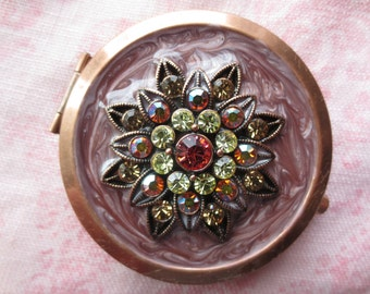 Vintage beautiful argento sc pink enamel crystal floral design gold tone mirror compact. Lot of 1 mirror compact.