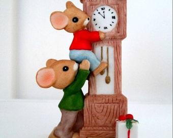 Enesco Christmas Mice Figurine Vintage 1983 Holiday Collectible