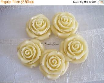 20% OFF ON SALE 2 pcs Large Acrylic Creamer White Rose Beads, 35mm