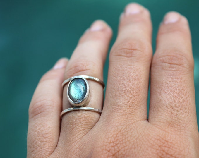 IN STOCK* Caraz Ring - Labradorite Stone Ring