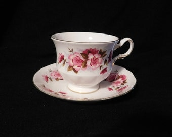 Queen Anne Wild Rose Tea Cup & Saucer Mint Condition