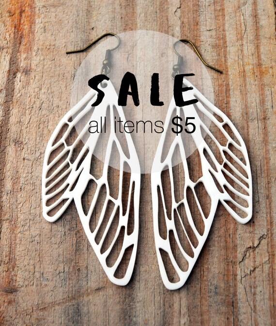 DRAGONFLY Wings WHITE Earrings asymetric