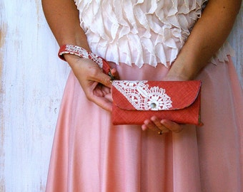 Wallet with doily applique - woman wallets/fabric wallet/slim trifold case/fabric handmade wallet/credit card wallet/bill coin MADE TO ORDER