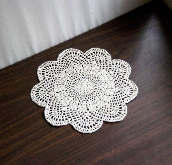 art deco crochet lace doily great gatsby decor ecru table. Black Bedroom Furniture Sets. Home Design Ideas