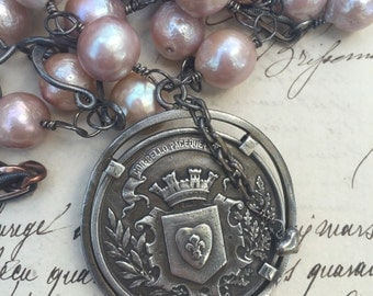 BELLE MEDAILLE-Beautiful Pearl and Antique Watch Chain Necklace with Antique French Medal