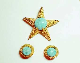 BSK Set Brooch Pin & Earrings Jewelry Set Textured Bright Gold Faux Turquoise Designer Vintage Jewelry