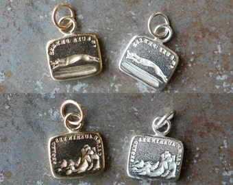"""Victorian wax seal pendant ∙ No. 4 French wax seal motto """"I'm in a hurry / calm in the storm"""" ∙ greyhound with letter, cliff in a stormy sea"""