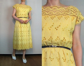 80s EMBROIDERED CUTOUT Dress Vintage Pale Yellow Embroidered Cotton Dress Yellow Cutwork Cotton Dress Scalloped Hem Dress German Dress