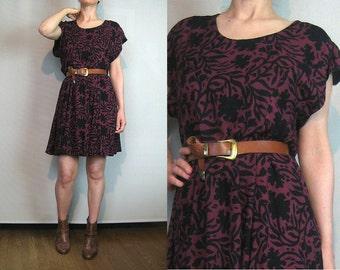 90s VINE FLORAL Print Vintage Wine Burgundy Leaf Print Rayon Short Sleeve  Mini Tunic Dress xs Small Medium 1980s 1990s