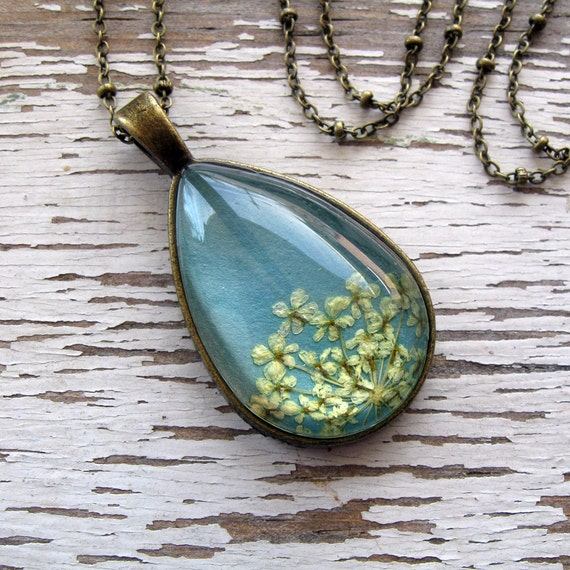 Real Pressed Flower Necklace - Blue Gray Queen Anne's Lace Botanical Teardrop Necklace