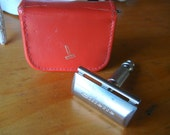Vintage Gillette Travel Razor kit in small zipper leather case