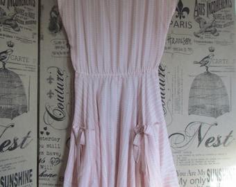 Adorable Vintage 1940's 1950's Full Circle swing dance Rockabilly Pinup VLV Pink floral sun dress