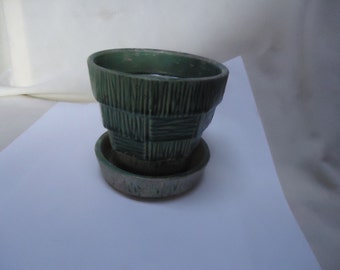 Vintage Green McCoy Flower Pot Basket Weave Planter, collectable