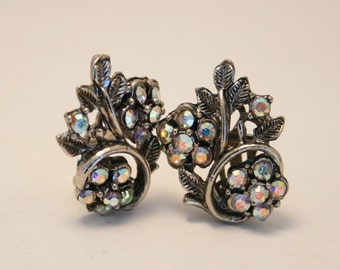 Vintage crystal flower earrings.  Clip on earrings