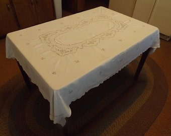 Rectangle Linen Tablecloth And Napkins With Hand Embroidery And Cut Work Floral Design (7 piece set)