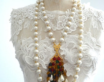Vintage MULTI STRAND PEARL Necklace w/ Cluster of Colorful Beads Pendant Statement Costume Jewelry