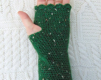 Green Tweedy Fingerless Gloves, Crochet Wristwarmers, Green Wristwarmers, Green Wrist Warmers, Crochet from Ireland