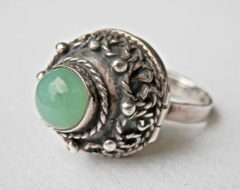 Poison Ring, 1950s, Mexican Silver, Green Glass Ring, Adjustable Size, Taxco Silver, Size 8.5 Ring, Mexican Ring, Vintage Mexican Silver