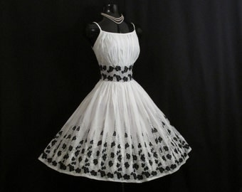 Vintage 1950's 50s Black White Embroidered Cotton Party Prom Wedding DRESS Medium Large
