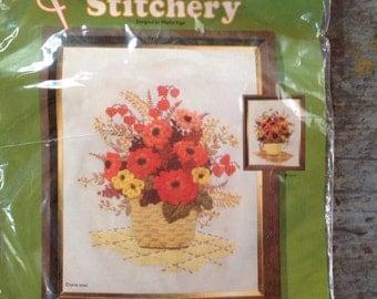 Vintage Kit Bit Quick n Easy Stitchery Needlecraft Kit 517