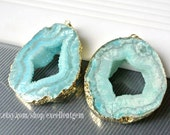 Druzy pendant Geode pendant Agate slice pendant, Gold Plated Edge Geode agate Pendant in Turquoise blue color, gemstone Pendant, JSP-6162