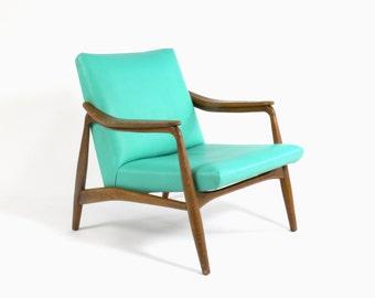Mid Century Modern Danish Style Lounge Chair
