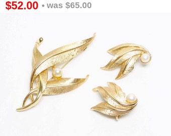 Boucher Gold Leaf Brooch & Earring Demi Parure Set - Designer Signed
