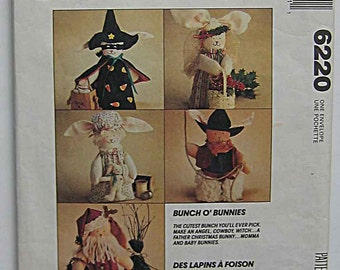 Holiday Dolls Bunch O' Bunnies McCall's 6220 Craft Pattern Father Christmas, Santa, Cowboy, Mamma & Baby, Witch, Angel