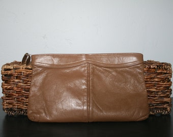 Vintage 1980s Tan Clutch • Taupe Leather Clutch • Antonia Genuine Leather