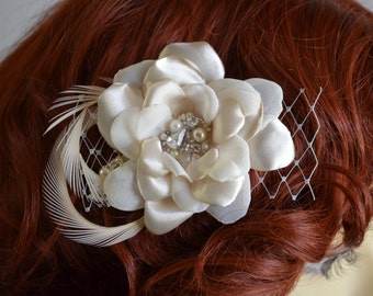 Champagne Bridal Flower Hair,Flower rhinestone beaded pearl hair comb,Flower with French netting and feathers,Heirloom comb