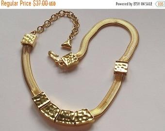 50% Liz Claiborne Geometric Choker Hammered Gold Slinky Chain