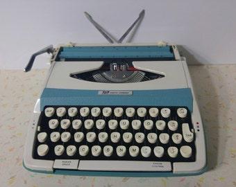 Vintage Smith Corona Corsair 710 Typewriter with case Vintage Aqua Blue Portable Typewriter Working