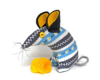 Retro mouse - DAISY vintage fabric, 50s,  60s  Yellow, blue and grey