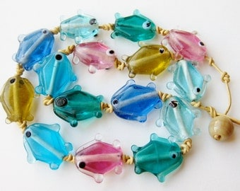 Vintage 40s Italian Novelty Fish in the Sea Art Glass Bead Necklace