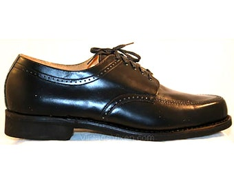 Men's Size 12 Shoes - Black 1960s Mens Oxford Dress Shoes - Marked 12D - Wide Width - 60s Classic Mid Century Deadstock - Original Box 32613